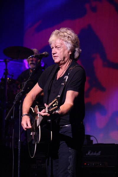 A Chat With The Moody Blues John Lodge The Moody Blues