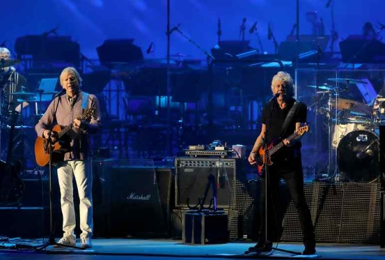 Moody Blues Raise 1 5m At Hollywood Bowl Benefit The
